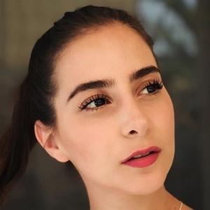 Fernanda Fuentes 2 of 6