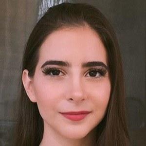 Fernanda Fuentes 4 of 6