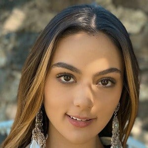 Fernanda Rivas Headshot 10 of 10