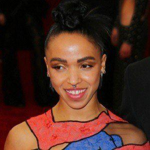 FKA Twigs 4 of 6
