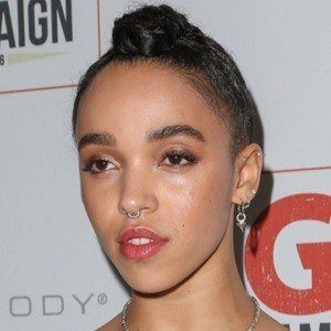 FKA Twigs 5 of 6