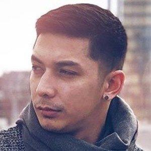 Florian Nguyen 3 of 6