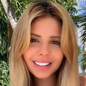 Francesca Larrain 4 of 5