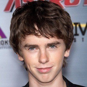 Freddie Highmore 4 of 10