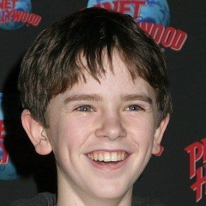Freddie Highmore 6 of 10