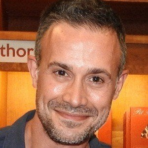 Freddie Prinze Jr. 6 of 7