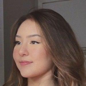 Gabriela Mayumi Headshot 3 of 10