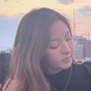 Gabriela Mayumi Headshot 6 of 10