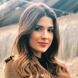 Gabriela Tafur 3 of 5