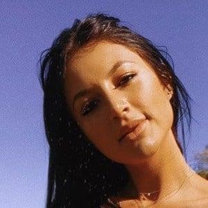 Gabriella Abutbol 5 of 6
