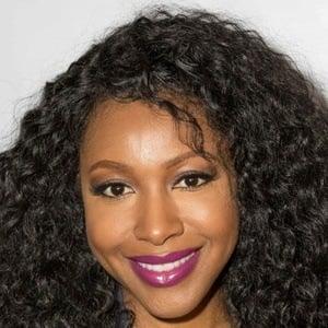 Gabrielle Dennis 6 of 10