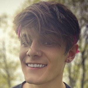Gavin Smith Headshot 8 of 10