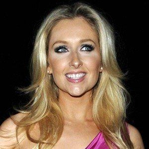 Gemma Merna 3 of 4