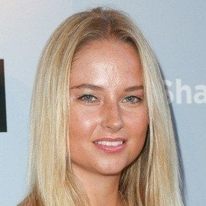 Genevieve Morton 6 of 6