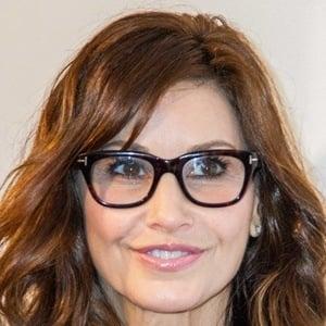Gina Gershon 6 of 10