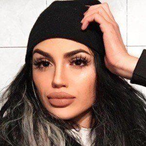 Gina Lorena 2 of 10