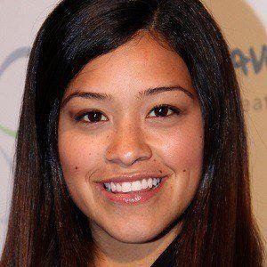 Gina Rodriguez 5 of 10
