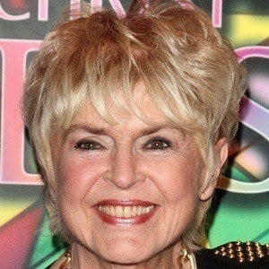 Gloria Hunniford 2 of 5