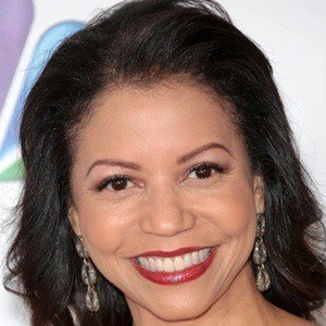 Gloria Reuben 2 of 9