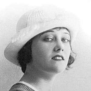 Gloria Swanson 2 of 7