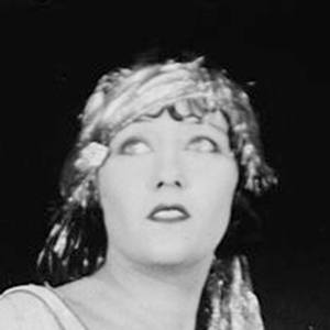 Gloria Swanson 6 of 7