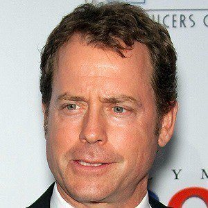 Greg Kinnear 3 of 9