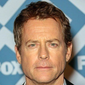 Greg Kinnear 6 of 9