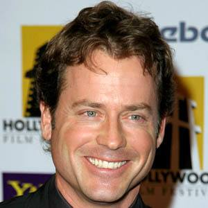 Greg Kinnear 8 of 9