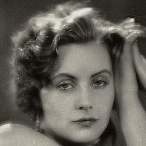 Greta Garbo 3 of 10