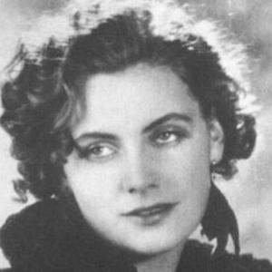 Greta Garbo 4 of 10