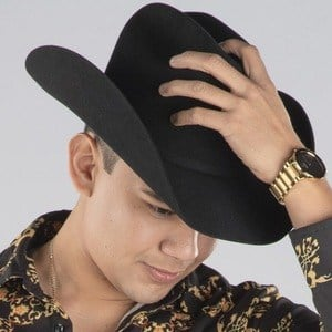 Gustavo Palafox 4 of 5