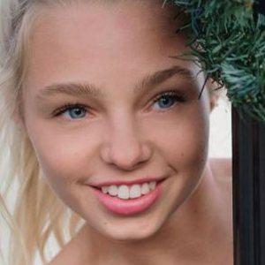Gwen Rachel 6 of 10