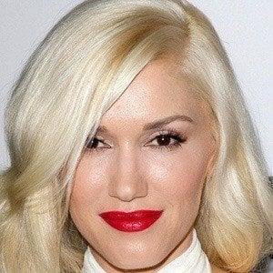 Gwen Stefani 2 of 10