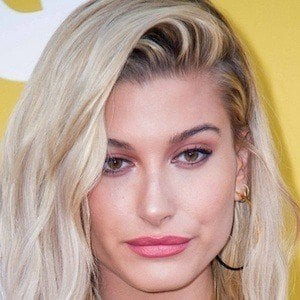 Hailey Baldwin 10 of 10