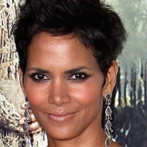 Halle Berry - Bio, Facts, Family   Famous Birthdays  Halle Berry