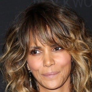 Halle Berry 7 of 10