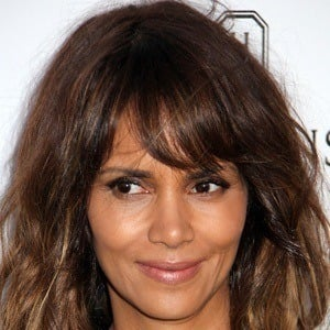 Halle Berry 8 of 10