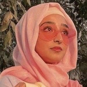 Hamna Ayub 7 of 10