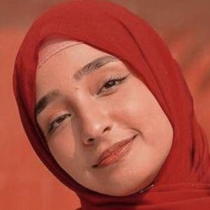 Hamna Ayub 8 of 10
