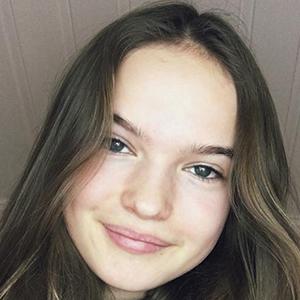 Hanna Elisabeth 2 of 6
