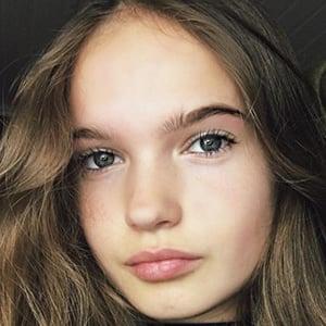 Hanna Elisabeth 4 of 6