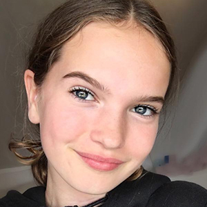 Hanna Elisabeth 5 of 6