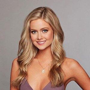 Hannah Godwin 4 of 6