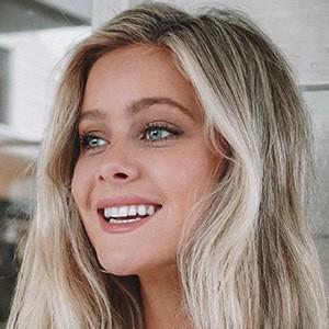 Hannah Godwin 6 of 6