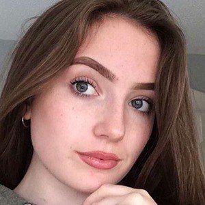 Hannah Lyne 4 of 6