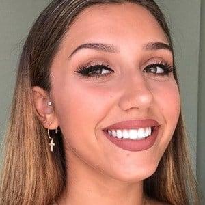 Hannah Mrozak 2 of 6
