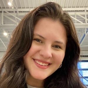 Hannah Pistoia Headshot 2 of 3