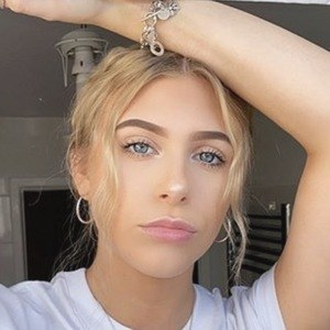 Hannah Simpson 2 of 5