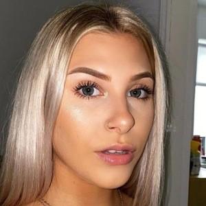 Hannah Simpson 8 of 10