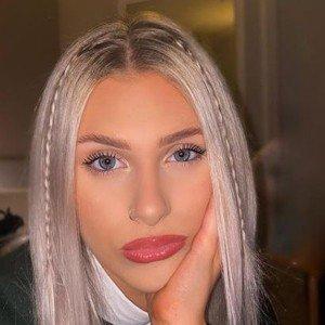 Hannah Simpson 10 of 10